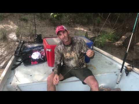 How to catch a alligator gar using a Trokar J hook.
