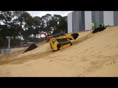 Gehl RT175 hill climb mulch dump
