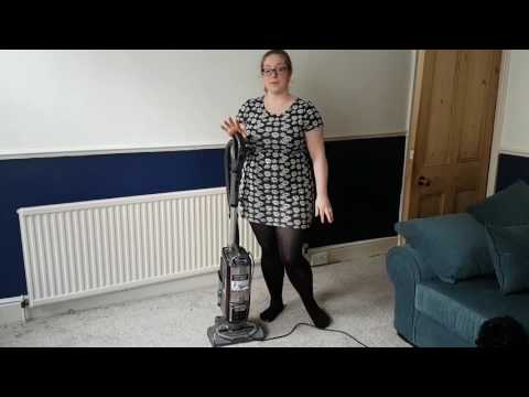 Review of the Shark Lift Away True Pet NV680UKT Bagless Upright Vacuum Cleaner