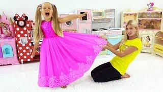 डियेना और मैगी दोनों एक ही पोशाक चाहते हैं