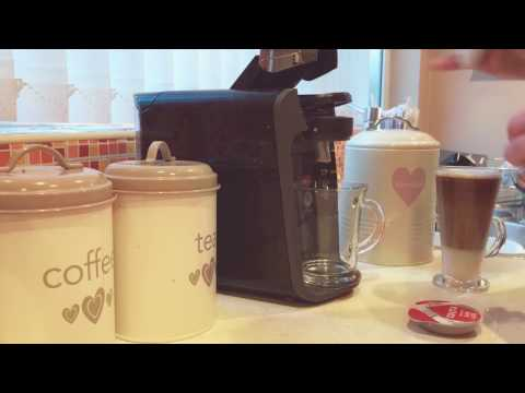 Bosch Tassimo T32 Suny making a Latte