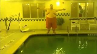 51de5eda5f Dramatic Fat Guy Splash 2; Electric Splashaloo - YouTube