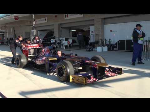 Red Bull Racing team tyre change practice