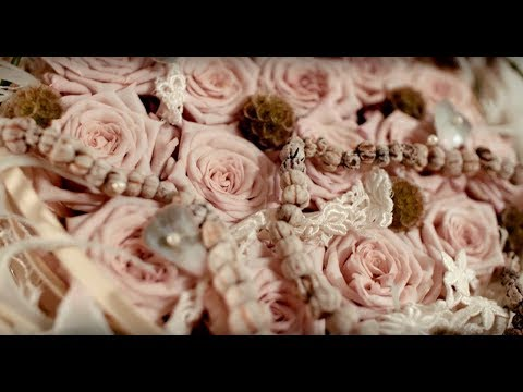 a Lovely Lace wedding bouquet   Flower Factor How to Make   Powered by Arend Roses