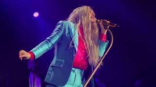 Kesha performing Hymn live at Rainbow Tour 2017 - Pennsylvania
