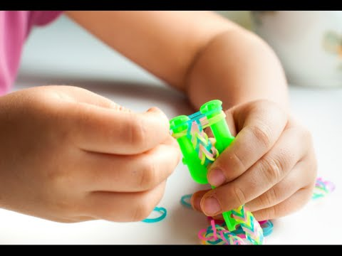 How to Make Loom Bracelets with Two Forks