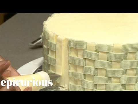 Cake Decorating 101: How to Make a Basket Weave