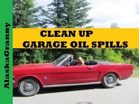 How To Clean Up Garage Oil Spills - Oil Absorbent DE
