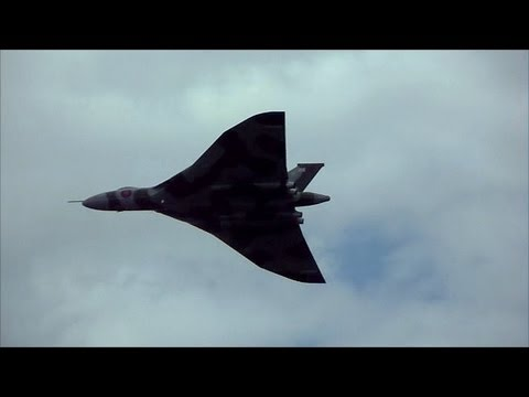 Vulcan Bomber - Awesome Display & Amazing Loud
