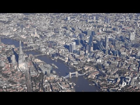Wonderful approach over London City while landing at London Heathrow