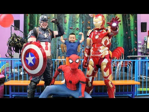 CARS HOT WHEELS Superheroes Captain America Spiderman and