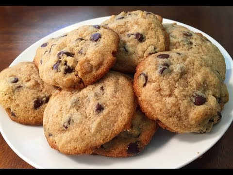 Keto/ Low Carb Chocolate Chip Cookies!