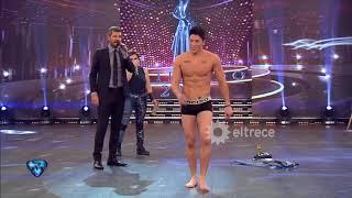 El Blooper De Agustín Reyero, Bailarín De Consuelo, Antes De Desfilar En Boxer