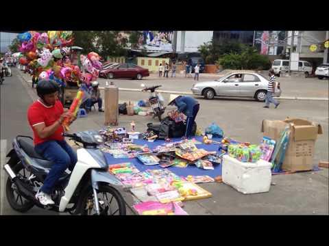 A glimpse of Vietnam traffics from Hoian to Saigon.