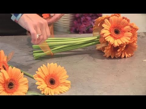 How To Arrange Daisies In A Bouquet