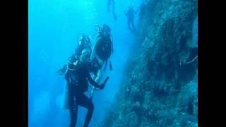Potentially Fatal Scuba Diving Accident Intervention Bahamas 12/04/08 HD