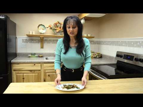 Dr. Sedlak makes a Pork Stir-Fry with Shirataki Noodles