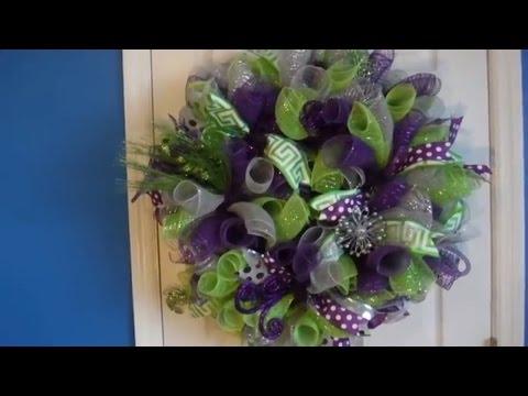 Deco Mesh Wreath. Loop Method.