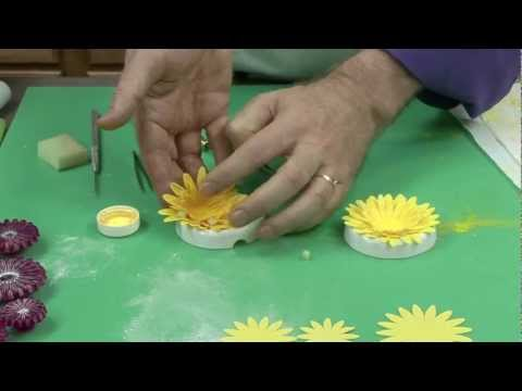 Super Easy Wired Gerbera Daisy by Chef Alan Tetreault of Global Sugar Art, LLC