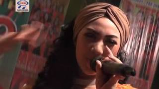 Pusing Pala Barbie - Novita Sari ( Official Music Video )