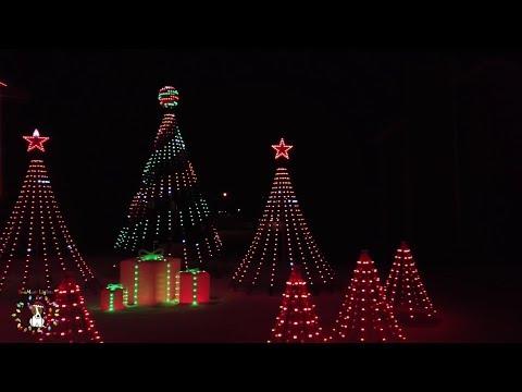 SnoMutt Lights 2017 Christmas Light Show