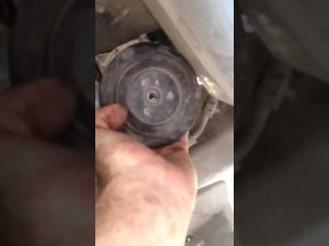 Changing pulley of ac compressor