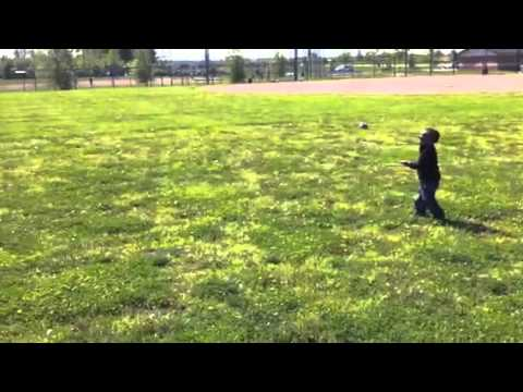 2 Year Old shows how to fly a kite