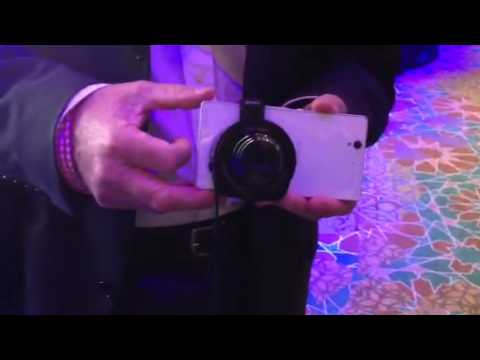 Checking Out the Sony QX10