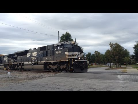 NS 28T heads into Columbia, SC at Devine Junction