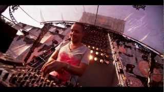 Wildstylez Feat. Niels Geusebroek - Year Of Summer (Official Videoclip)