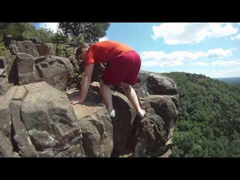 mike climbs sleeping giant blue trail cliffs