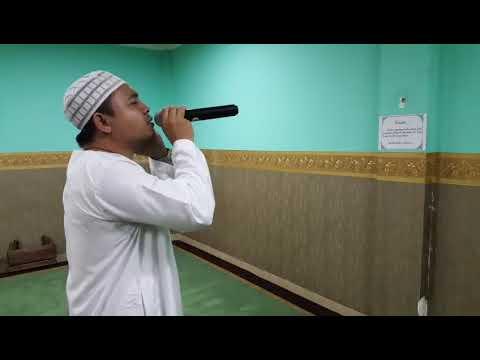 Muadzin Adzan Isya