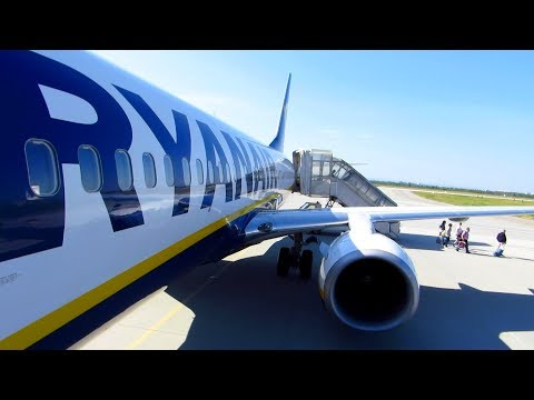 TRIP REPORT | RYANAIR 5€ Flight from Berlin SXF to Rzeszow RZE | Boeing 737-800