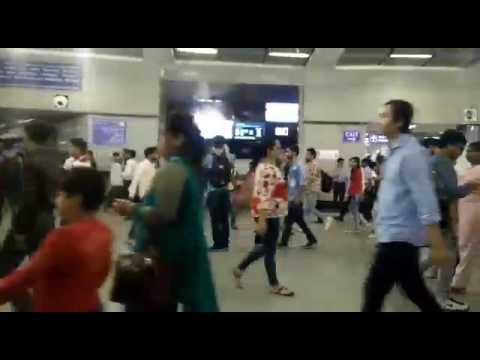 Xxx Mp4 Metro Station Pr Chali Porn Video 3gp Sex