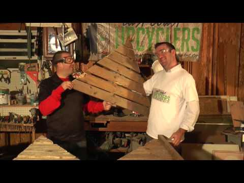 Season 2 Episode 3: Christmas Tree From A Pallet