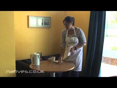How to lay a breakfast table