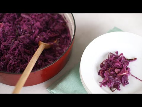 Braised Red Cabbage with Apple and Onion- Everyday Food with Sarah Carey