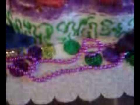 Masquerade cake - Mardi Gras mask