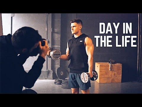 A Day In The Life Of A Fitness Model | Rob Lipsett