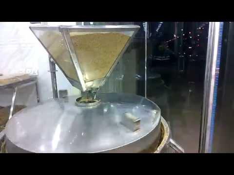 صناعة الراشي (الطحينية او زيت السمسم) في كربلاء - العراق