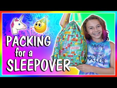 😍WHAT DOES KAYLA BRING TO A SLUMBER PARTY?😍 | We Are The Davises