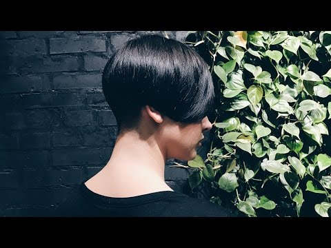 short women's haircut, triangular and round graduation
