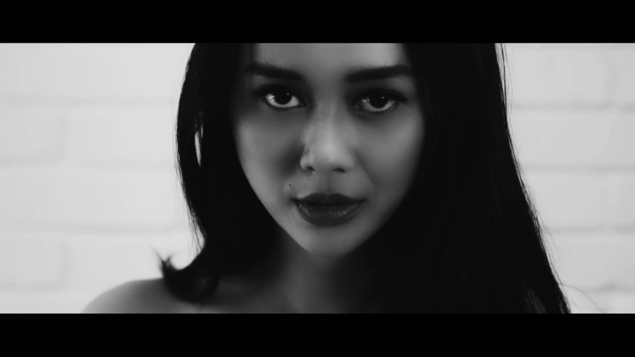 Aura Kasih - Temani Diriku (feat. NSG)