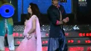Shah Rukh and Madhuri Performance at 2011 Filmfare Awards