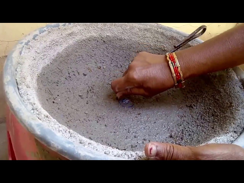 How to remove recently made big cement BONSAI pot from mould with care in (Hindi and Urdu)