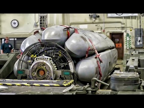 USAF Nuclear Weapons Specialists Prepare CSRL (Launcher)