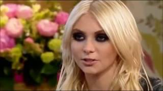 Taylor Momsen FAIL compilation (the Pretty Reckless)