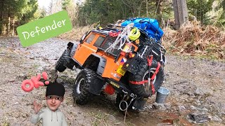 Traxxas Defender TRX-4 Orange crawling