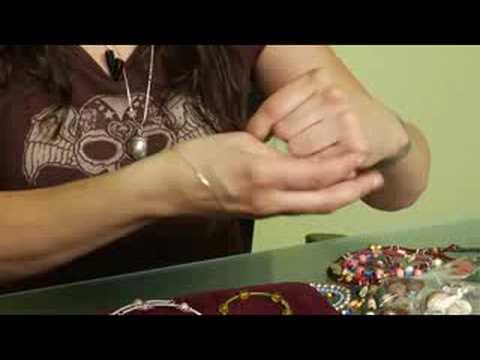 Beaded Jewelry Basics : Measuring Memory Wire for Beaded Bracelets
