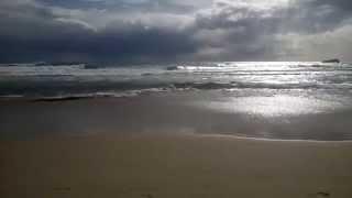 Gaeta: la spiaggia e il mare mosso a Serapo in inverno. Video di Jenny Vellucci